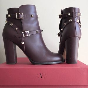 VALENTINO ROCKSTUD Ankle Boots *HP*